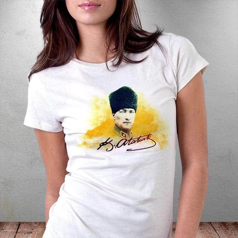Mustafa Kemal Atatürk İmza Tasarımlı Baskılı Tişört