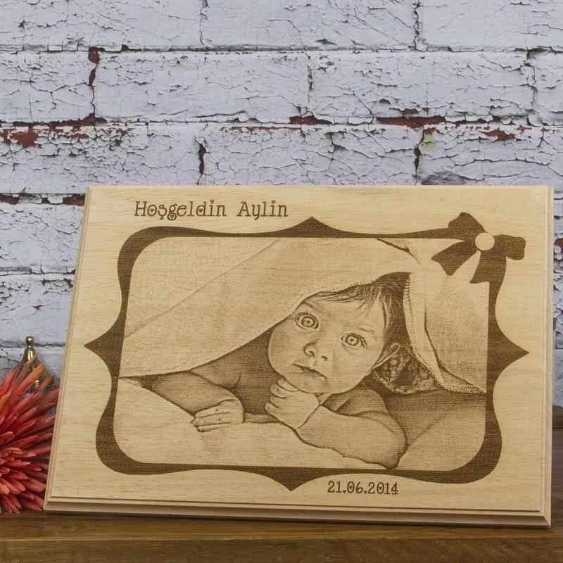 Yeni Doğmuş Bebekler İçin Ahşap Foto