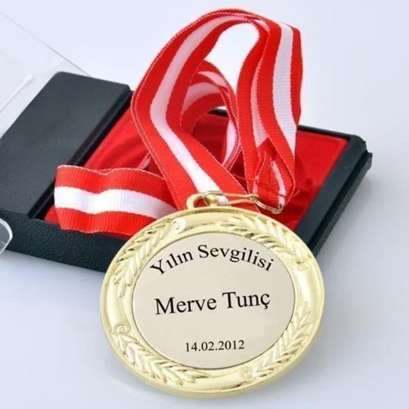 Yeni Yıl Aşıklarına Özel Madalyon