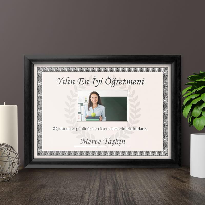 Öğretmene Hediye Yılın En İyi Öğretmeni Sertifikası