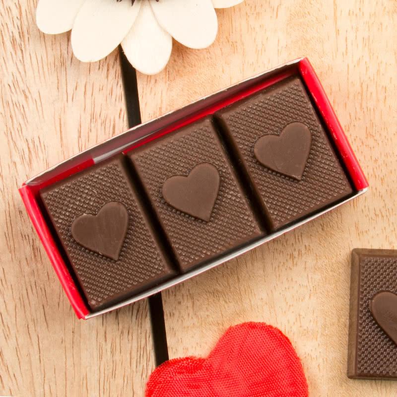 Anneye Doğum Günü Hediyesi 3lü Kalp Çikolata