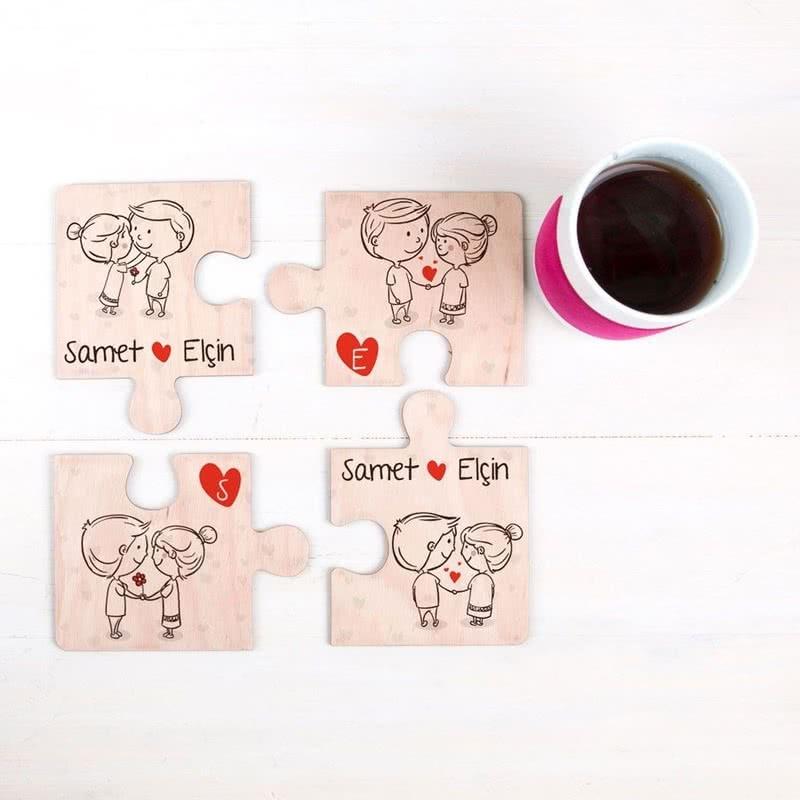 Aşık Çiftlere Hediye 4 lü Ahşap Puzzle Bardak Altlığı