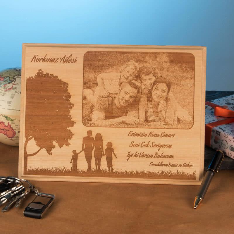 Çocuklarından Babasına Özel Aile Fotoğraflı Ahşap