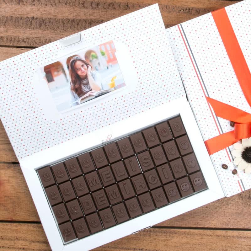 Kişiye Özel Gülen Yüzler Harf Çikolata