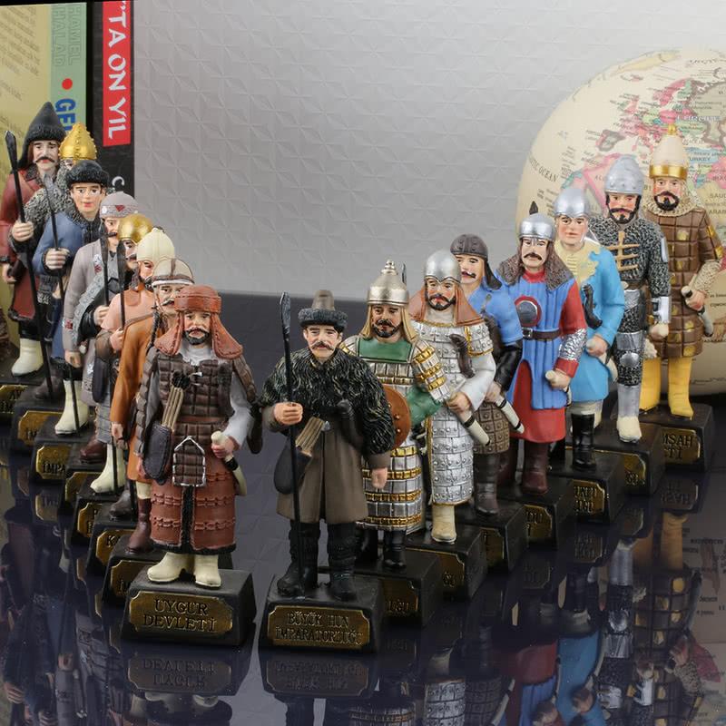 Tarihi Türk Devletleri Askerleri 16 lı Biblo Seti