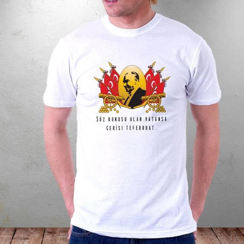 Türk Bayraklı Atatürk Baskılı Tişörtü