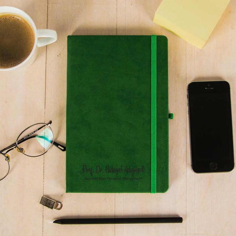 İsim ve Ünvan Yazılı Siyah Yapraklı Not Defteri Kalem Seti