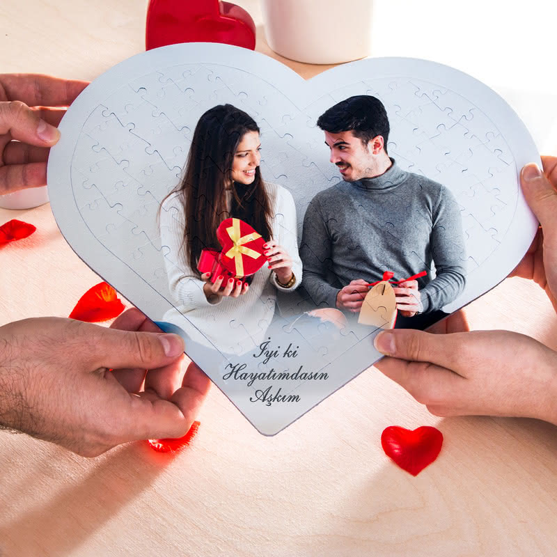 Sevgiliye Yıl Dönümü Hediyesi 97 Parça Kalp Puzzle