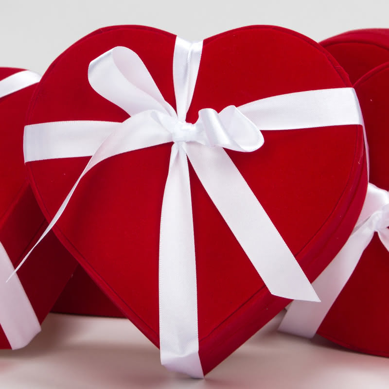 Yıl Dönümü Hediyesi Çifte Kumru Gümüş Kolyeli Kalp Sepet