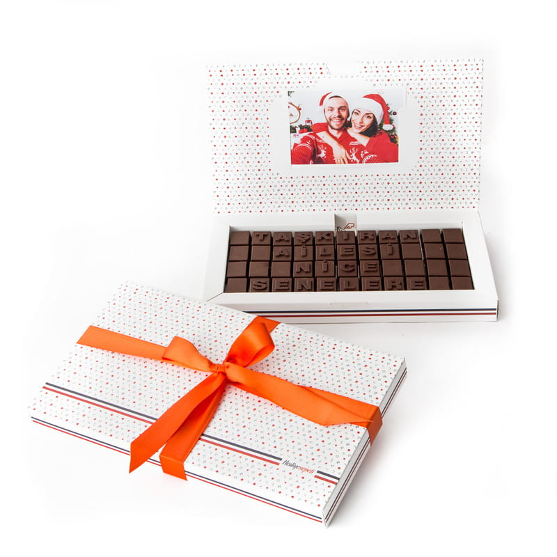 Aileye Özel Yılbaşı Mesajlı Harf Çikolata