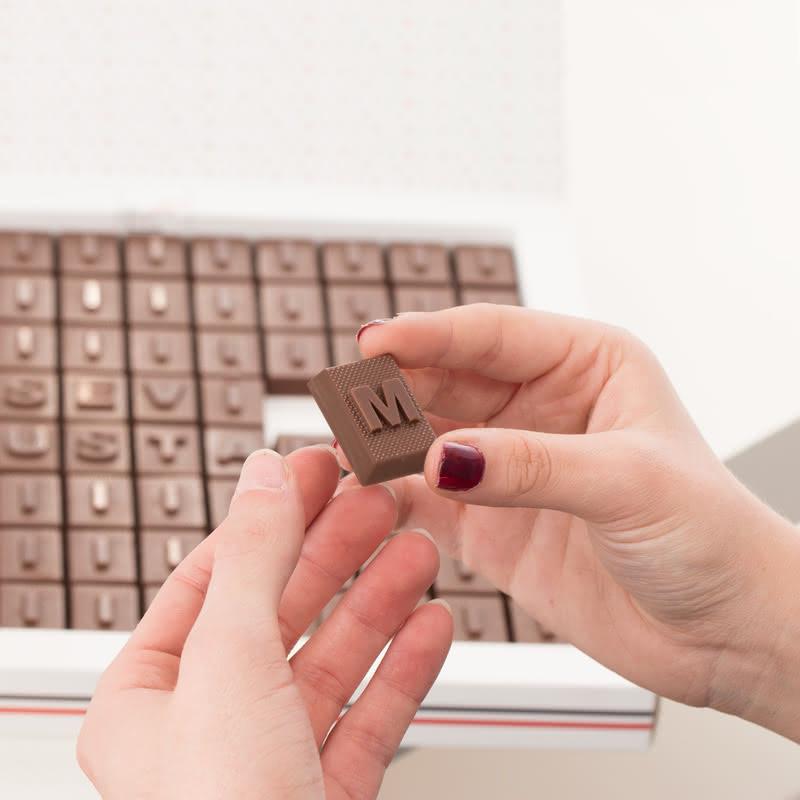 İsim Yazılı 88 Harf Çikolata