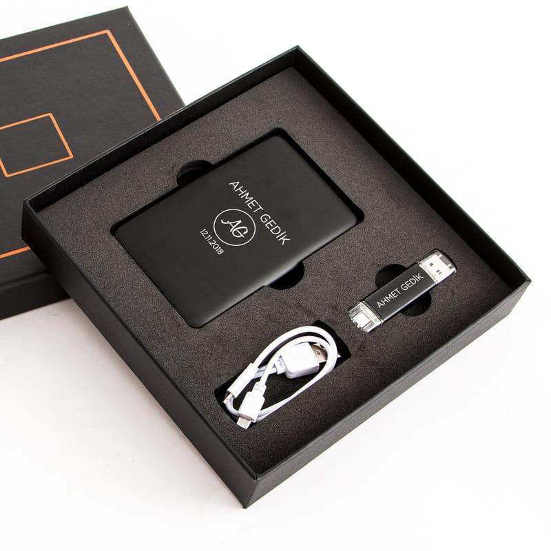 İsme Özel Hediye Powerbank ve Flaşh Disk Hediye Seti