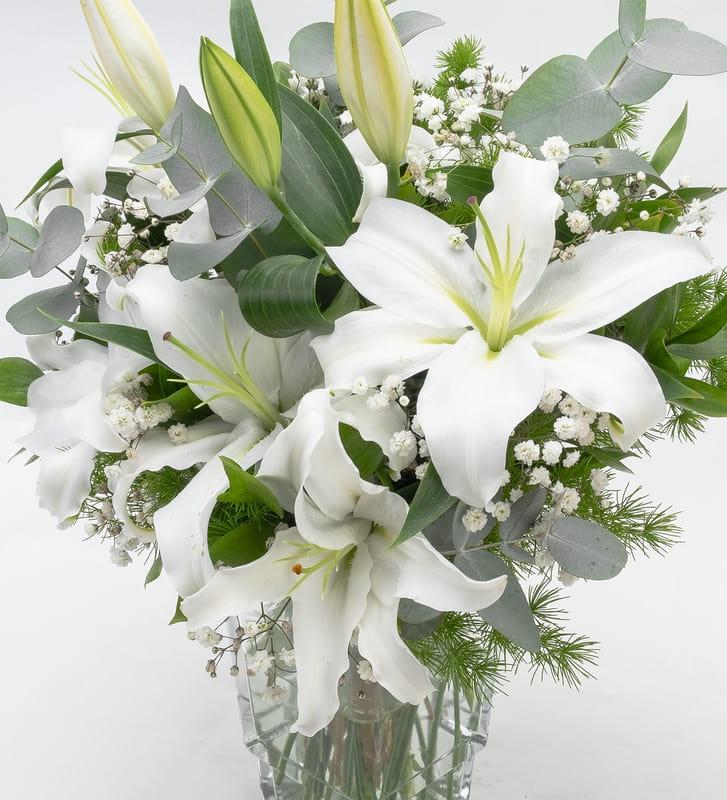 Aşkın Saf Hali Beyaz Lilyum Aranjmanı
