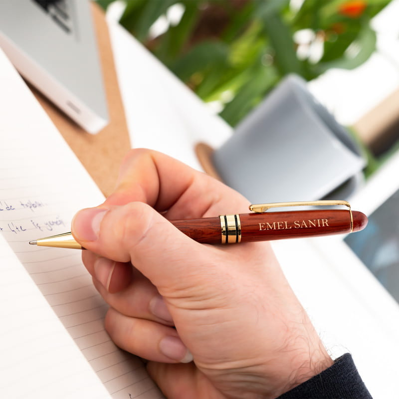 Bayan İş Arkadaşına Hediye Kutulu Kalem