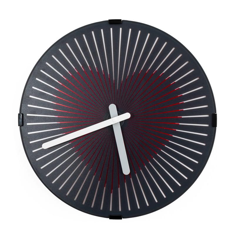 Hareketli Kalp Atışı Tasarımlı Duvar Saati