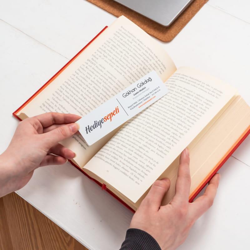 Kartvizit Tasarımlı Kitap Ayracı
