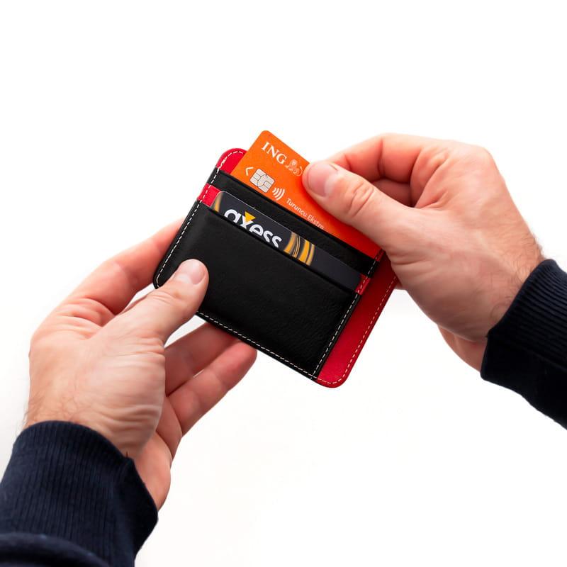 Arma Desenli Dik Model Kredi Kartlık