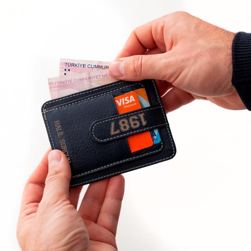 Erkeklere Özel Spor Model Kredi Kartlık