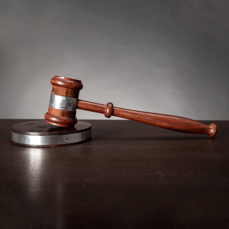 Hukuk Bürosu için Dekoratif Hakim Tokmağı