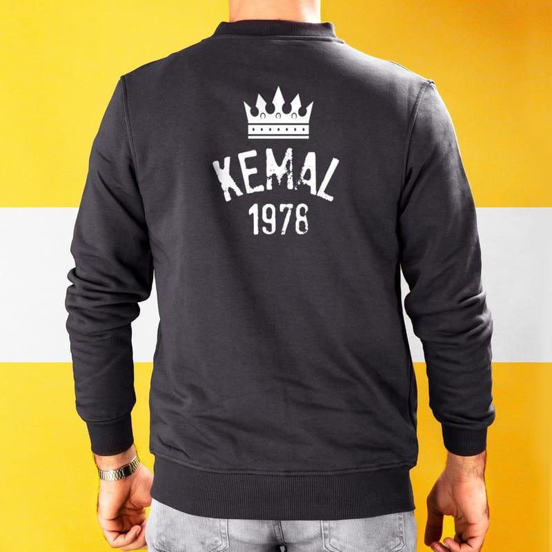 İsim ve Tarih Yazılı Sırt Baskılı Fermuarlı Sweatshirt
