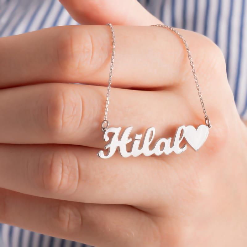 İsim Yazılı Kalp Tasarımlı Gümüş Kolye