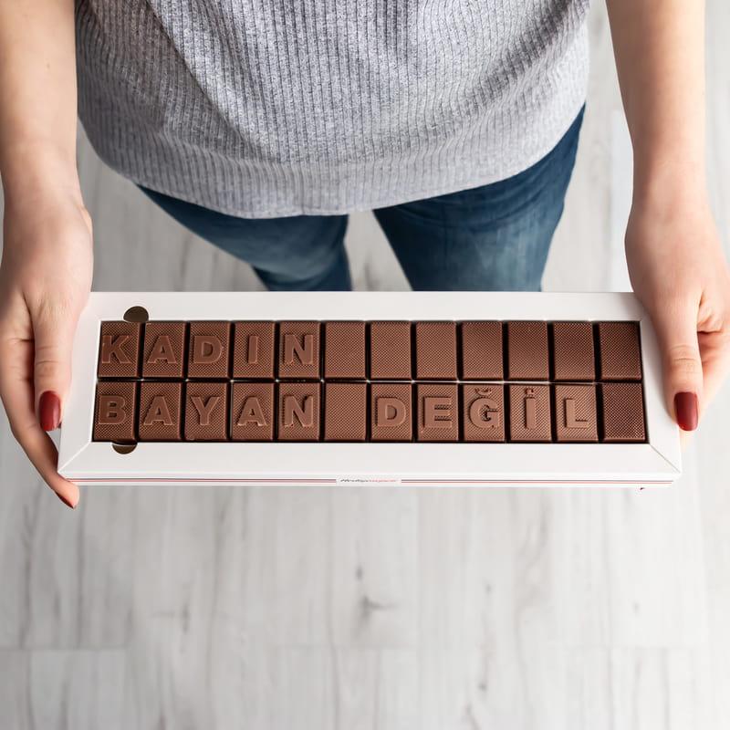 Bayan Değil Kadın Mesajlı Harf Çikolata