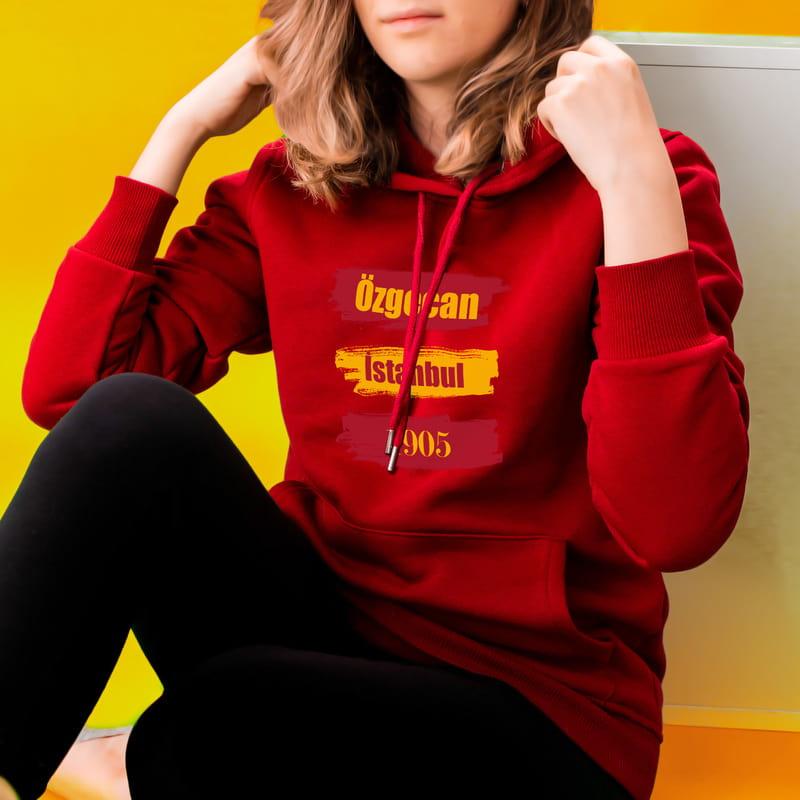 Sarı Kırmızı Baskılı İsme Özel Kapşonlu Sweatshirt