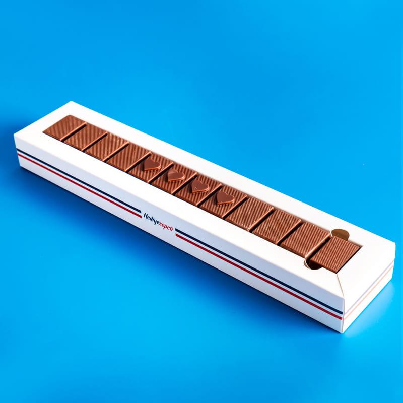 Sevgi Dolu Kalpli Harf Çikolata