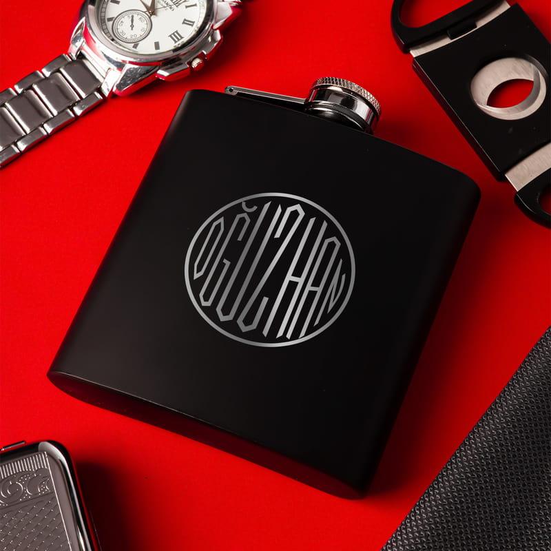 İsme Özel Monogram Logo Tasarımlı 6 Oz Mat Siyah Çelik Matara