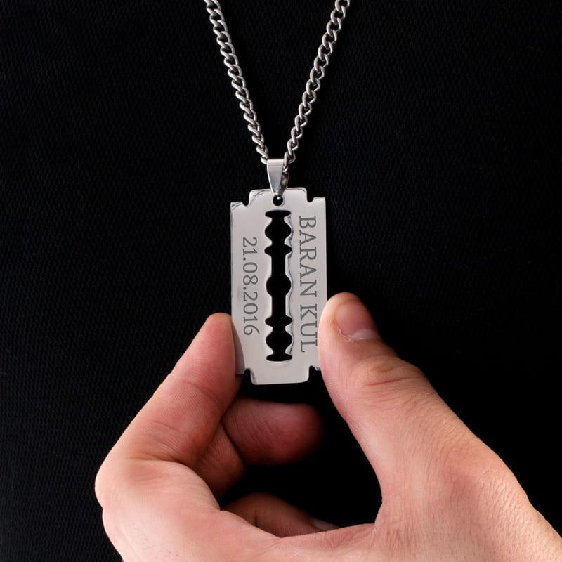Jilet Tasarımlı İsim Yazılı Metal Kolye
