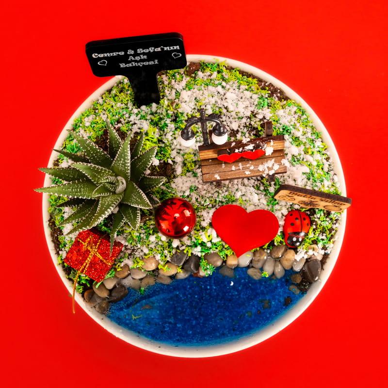 Sevgiliye Hediye İsim Yazılı Minyatür Bahçe