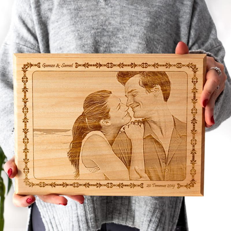 Sevgiliye Yıl Dönümü Hatırası Ahşapfoto