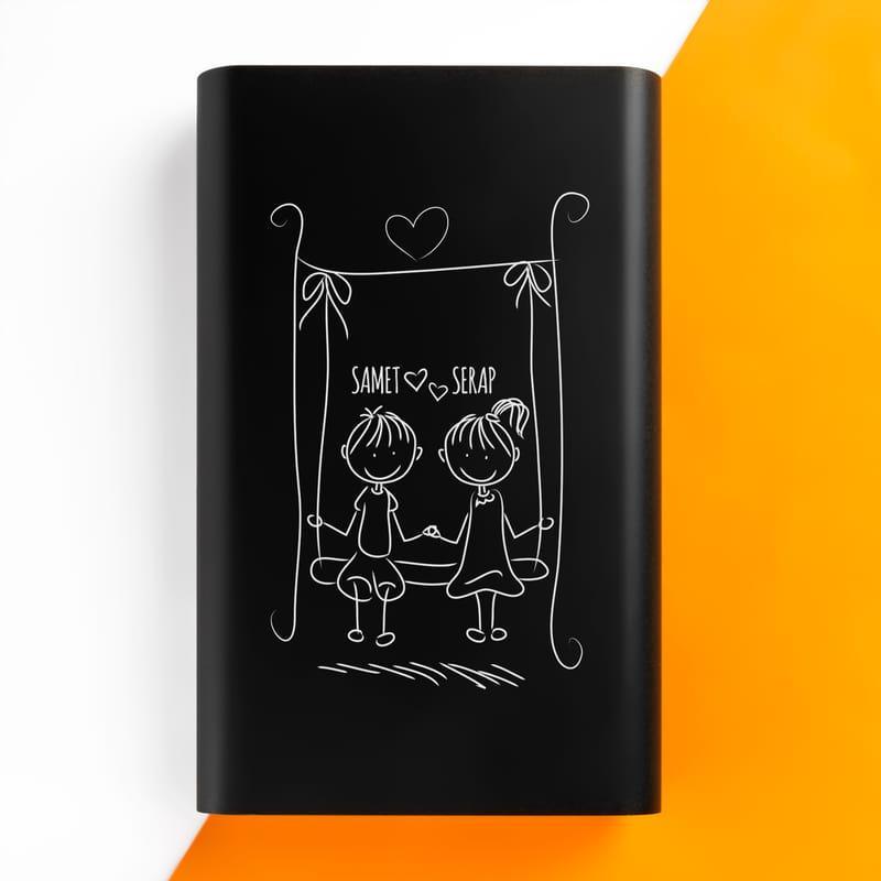 Sevimli Sevgililer Tasarımlı İsim Yazılı Powerbank