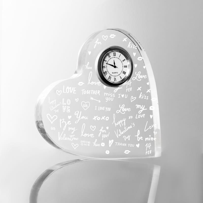 Aşk Temalı Hediye Akrilik Kalp Saat