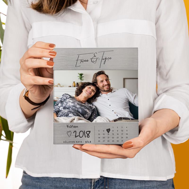 Sevgiliye Hediye Tarihli Yıldönümü Hediyesi Metalik Çerçeve