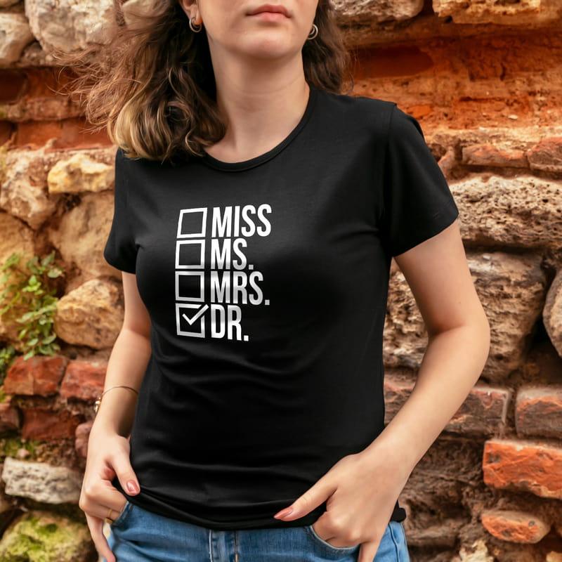 Yeni Doktora Hediye Esprili Unisex Tişört