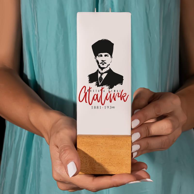 Arkadaşa Hediye Mustafa Kemal Atatürk Tasarımlı Kaideli Mum
