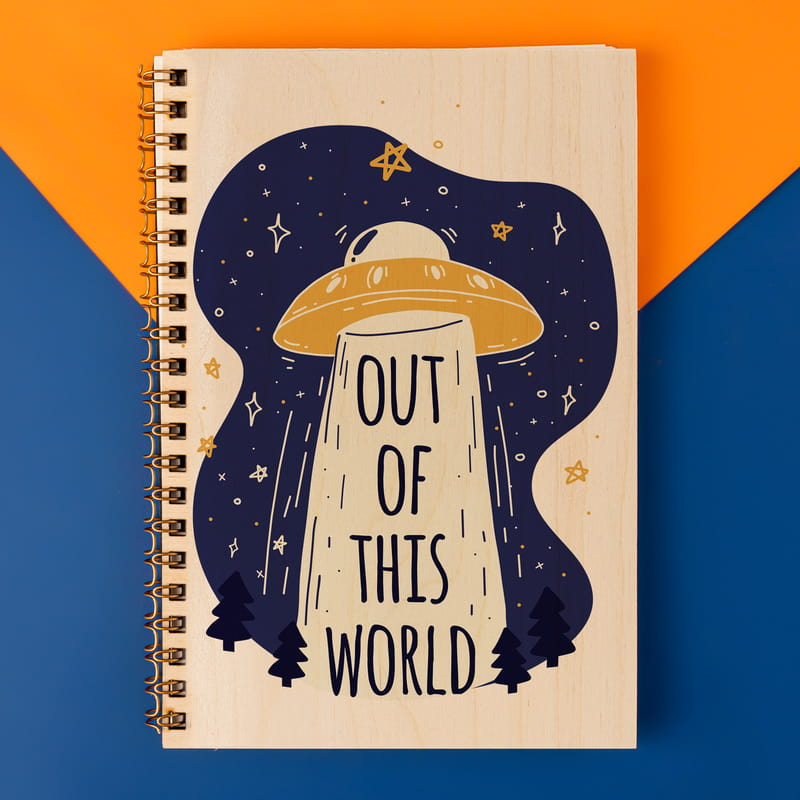 Out Of This World Tasarımlı Ahşap Kapaklı Defter