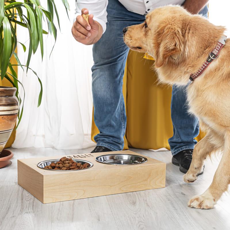 Sevimli Dostunuza Hediye İsimli Ahşap Köpek Mama ve Su Kabı