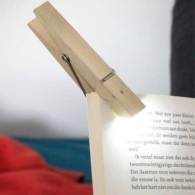 Ahşap Mandal Tasarımlı Okuma Lambası