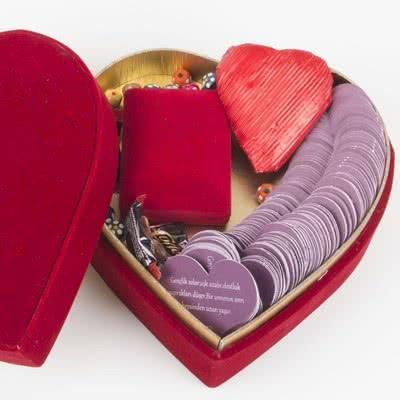 Sevgiliye Özel Sevgi Mesajlı Hediye Sepeti
