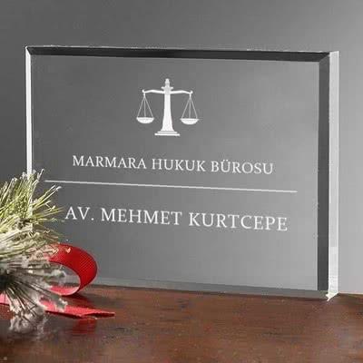 Avukat Arkadaşa Hediye Masaüstü İsimliği
