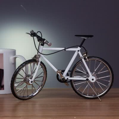 Sevgiliye Ofis Hediyesi Bisiklet Maketi