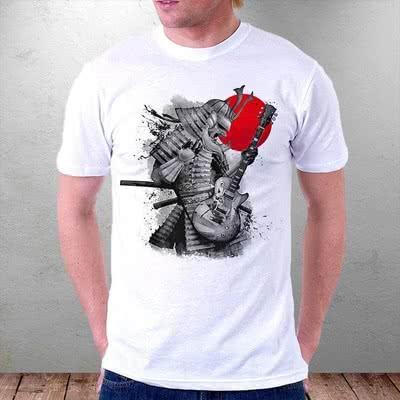 Gitar Çalan Son Samurai Desenli Tişört