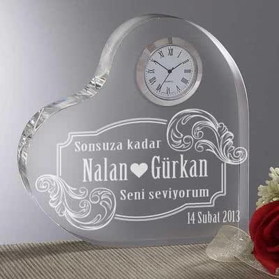 Kalp Şeklinde İsimli Masa Saati