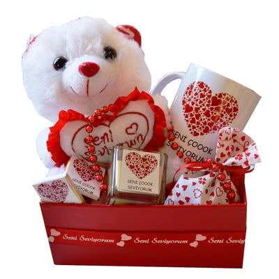 Sevgiliye Yeni Yıl Hediyesi Seni Seviyorum Hediye Sepeti