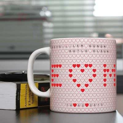 Sevgiliye Özel Hediye Kalpli Kupa