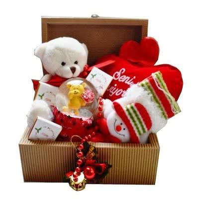 Sevgiliye Yılbaşı Hediyesi Kutulu Hediye Sepeti