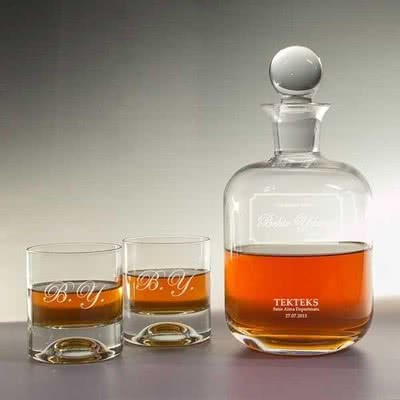 Babalar Günü Hediye Önerisi Viski Şişesi & Kadeh Seti