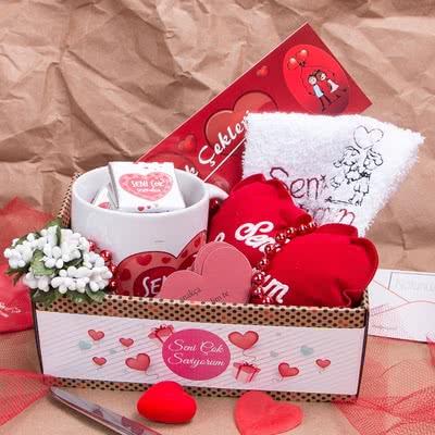 Sevgiliye Özel Romantik Hediye Sepeti